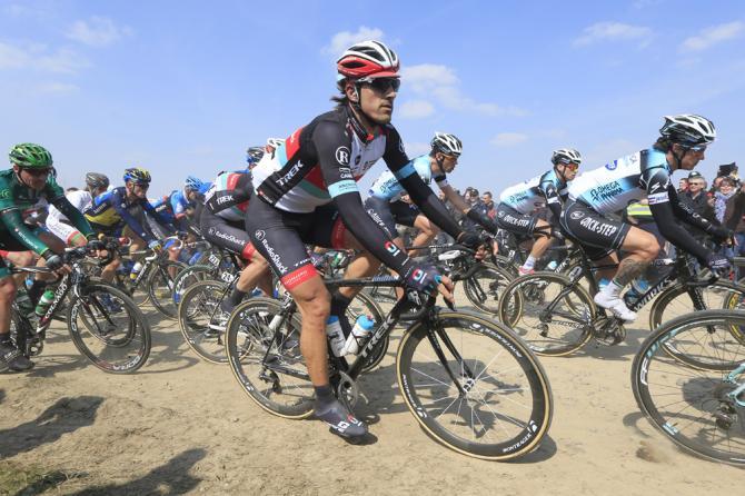 Cancellara sul pavè alla Roubaix 2013 (foto Bettini)