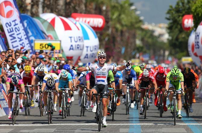 Vittoria quasi per distacco per Cavendish nella prima tappa del Giro di Turchia (foto Tim de Waele/TDW Sport)
