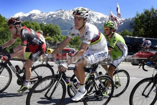 Rui Costa impegnato sulle strade del Giro di Svizzera (foto Bettini)