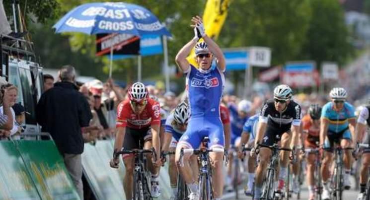 Il francese Démare vince la corsa belga Halle-Ingooigem (photo news)