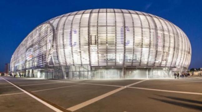 Il recentissimo stadio Pierre Mauroy di Villeneuve-dAscq, accanto al quale si è conclusa la quarta tappa del Tour (www.losc.fr)
