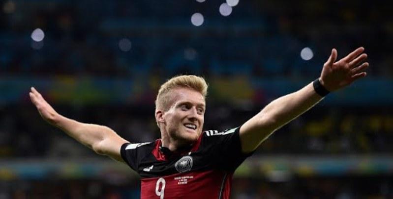 André Schürrle, il Kittel della nazionale di calcio tedesca, sembra dire Basta, non ce ne è più per nessuno