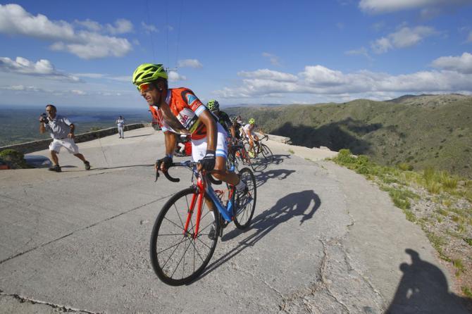 Largentino Diaz in azione sulla salita del Cerro El Amago (foto Bettini)