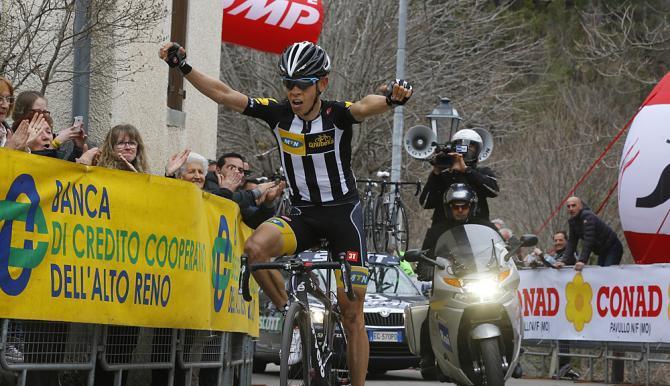Meintjes vince la tappa di montagna della Coppi e Bartali, imponendosi in classifica generale (foto Bettini)