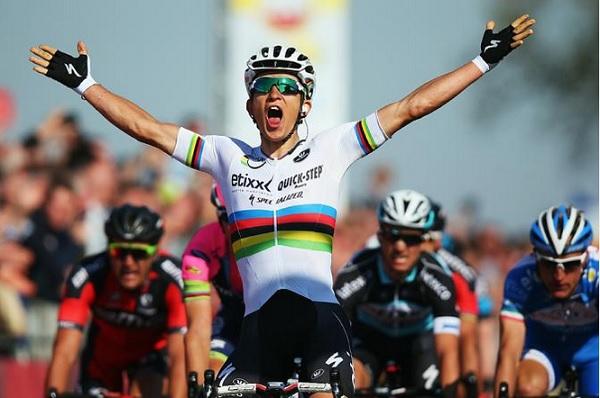 Michal Kwiatkowski celebra il successo in terra olandese (foto Getty Images Sport)