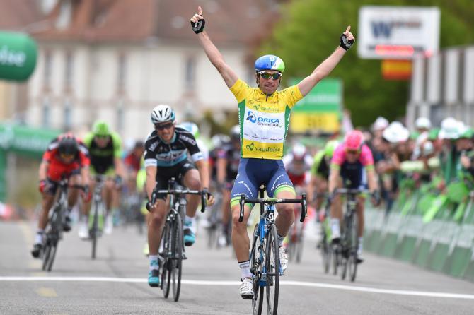Sulle strade della Svizzera Romanda Albasini coglie unannunciato bis (foto Tim de Waele/TDWSport.com)