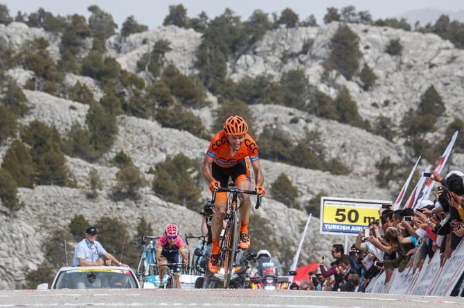 Rebellin si impone sul traguardo più duro del Giro di Turchia (foto Bettini)