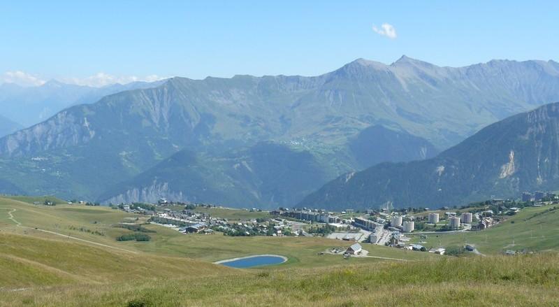 Vistsa panoramica sulla stazione invernale della Toussuire (www.hotels-chalets-tradition.com)