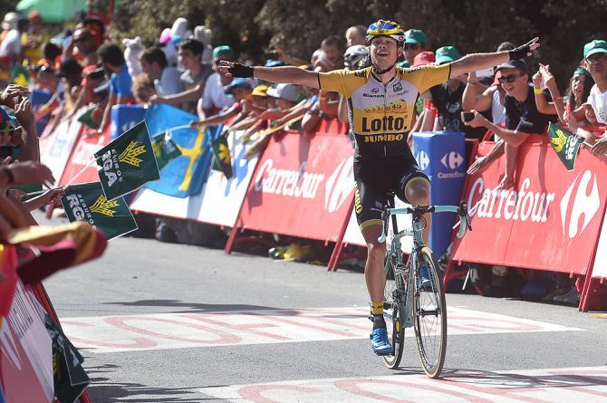 Lolandese Lindeman si impone in solitaria nella prima, vera tappa di montagna della Vuelta mentre, qualche km più dietro, Aru va allattacco e coglie Froome in crisi (foto Tim de Waele/TDWSport.com)