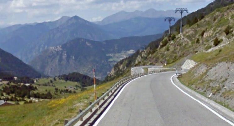 Salendo verso Cortals dEncamp, traguardo del tappone pirenaico (Google Street View)