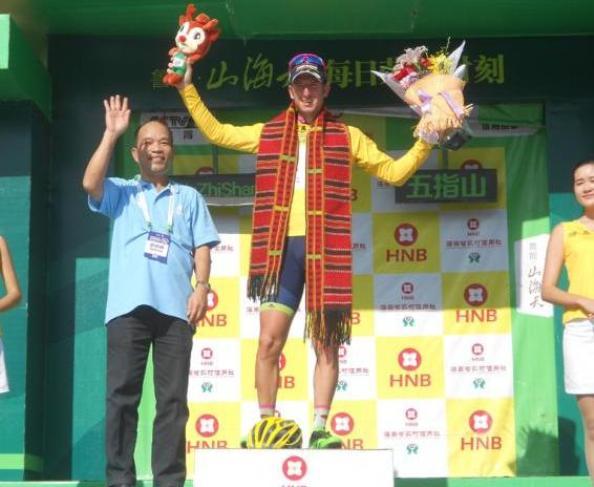 Modolo rimane in giallo anche dopo la tappa regina del Tour of Hainan: per lui, il successo finale è oramai ad un passo (foto Jean-François Quénet)