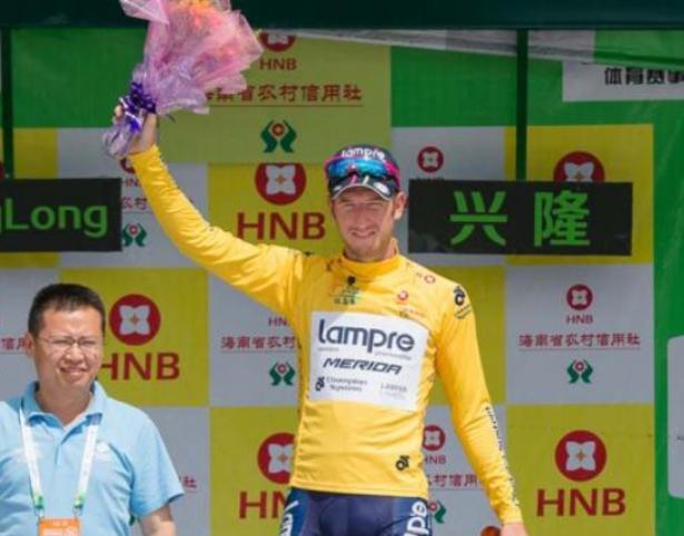 Il sole della Cina bacia il giallo della maglia di Sacha Modolo, splendido vincitore delledizione 2015 del Tour of Hainan (foto Jean Francois Quenet)