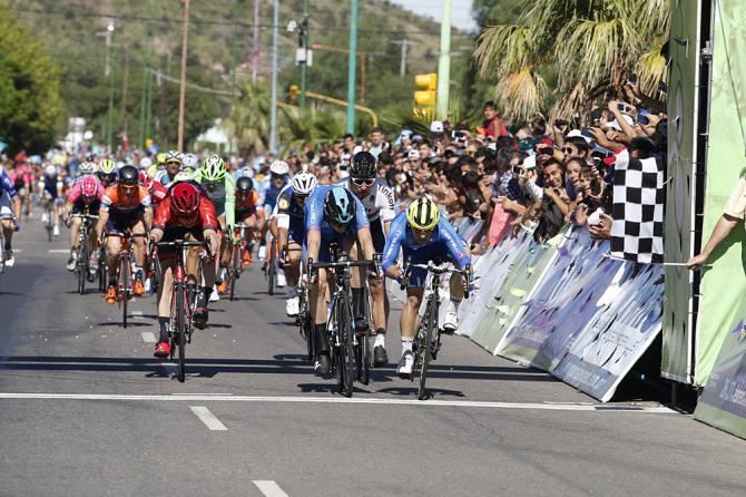 Dopo un travolgente finale di stagione, Mareckzo inizia alla grande anche il 2016 imponendosi nella tappa conclusiva del Tour de San Luis (foto Bettini)