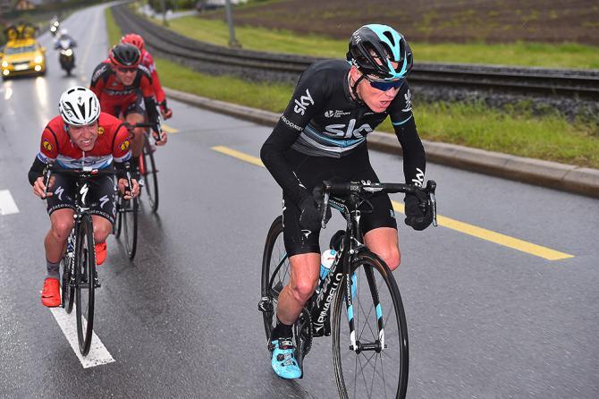 Froome allattacco con Van Garderen nellodierna frazione del Tour de Romandie (foto Tim de Waele/TDWSport.com)