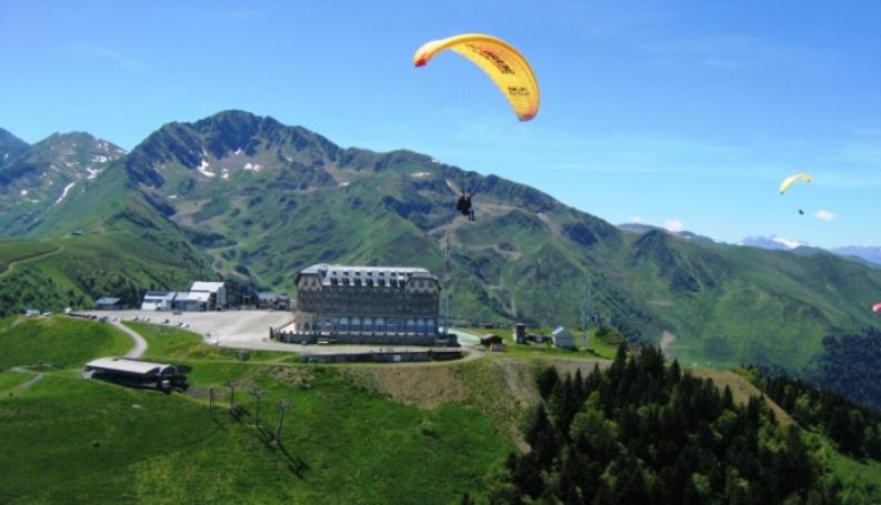 Superbagnères, la stazione di sport invernali di Luchon, in passato sede darrivo di appassionanti tapponi del Tour (les-thermes-de-luchon.blogspot.com)