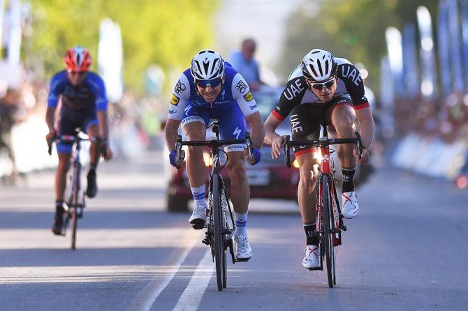 Graziati dal taglio di percorso, Richeze e litaliano Troia si ritrovano dincanto a giocarsi il successo di tappa sul traguardo di Pocito (Tim de Waele/TDWSport.com)