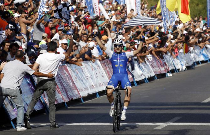 Il velocista argentino Maximilian Richeze vince come non aveva vinto mai: in solitaria, alla maniera dei finisseur più navigati (foto Bettini)