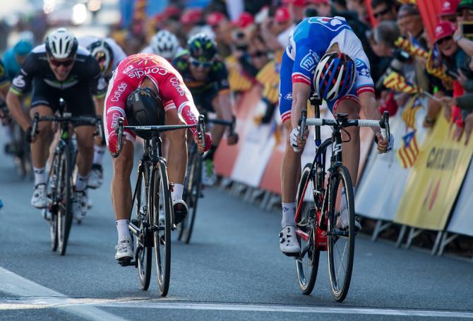 Davide Cimolai impegnato nel decisivo colpo di reni con il francese Nacer Bouhanni (Getty Images Sport)