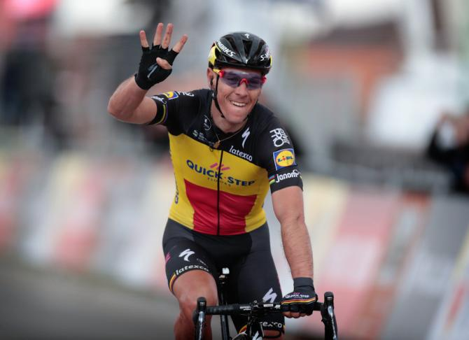 Philippe Gilbert festeggia il quarto successo in carriera allAmstel Gold Race (foto Bettini)