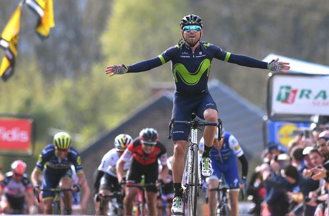 Per la quinta volta Valverde sconfigge le ostiche pendenze del Muro di Huy, prima ancora che gli avversari, e fa sua la Freccia Vallone (foto Tim de Waele/TDWSport.com)