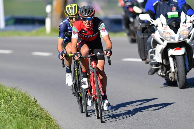 Simon Yates e Richie Porte allattacco nel finale della tappa di Leysin (foto Tim de Waele/TDWSport.com)