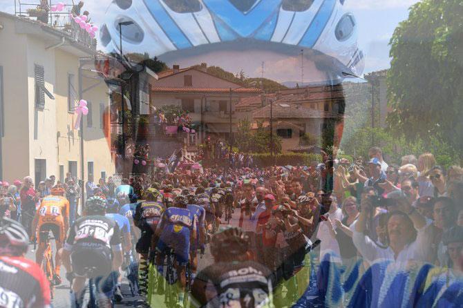 Nel cuore del gruppo batte ancora il ricordo di Scarponi, anche nella tappa tosco-romagnola (foto Tim de Waele/TDWSport.com)