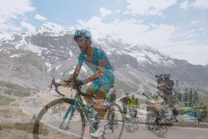 Lungo i tornanti dello Stelvio accompagnati dal ricordo di Scarponi (Getty Images Sport)
