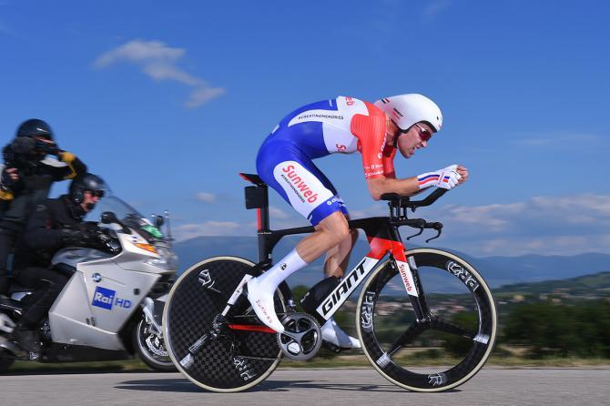Dumoulin vola tra i vigneti del Sagrantino e spodesta Quintana dal vertice della classifica generale del Giro (foto Tim de Waele/TDWSport.com)