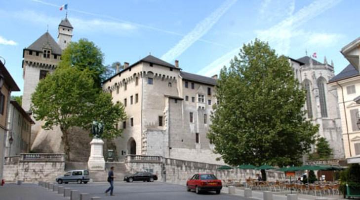 Il castello di Chambéry, che appartenne alla famiglia Savoia e nel quale fu ospitata dal 1502 al 1578 la Sacra Sindone (www.gpps.fr)