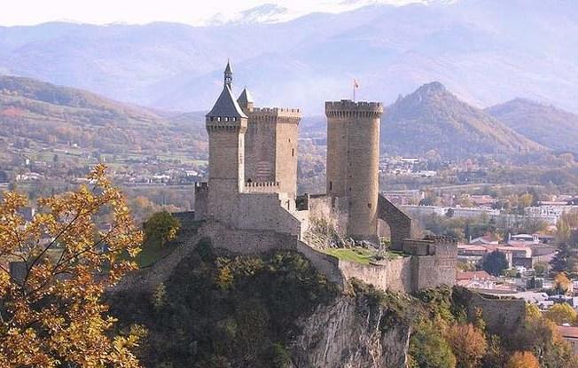 Il castello di Foix (www.catharcastles.info)