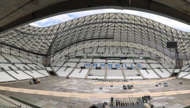 Lo stadio Orange Vélodrome di Marsiglia attrezzato per ospitare larrivo della cronometro del Tour (www.lequipe.fr)