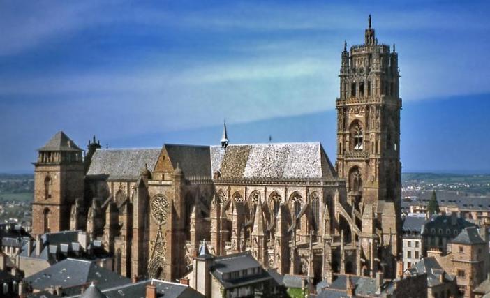 La cattedrale di Rodez (hotel-lion-or.com)