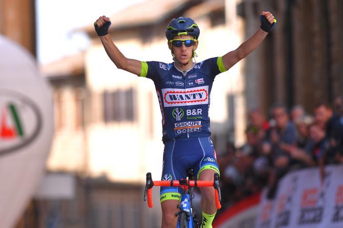 Guillaume Martin giunge in solitaria nel bel centro storico di Volterra imponendosi nella seconda edizione del Giro della Toscana dedicata ad Alfredo Martini (Tim de Waele/TDWSport.com)