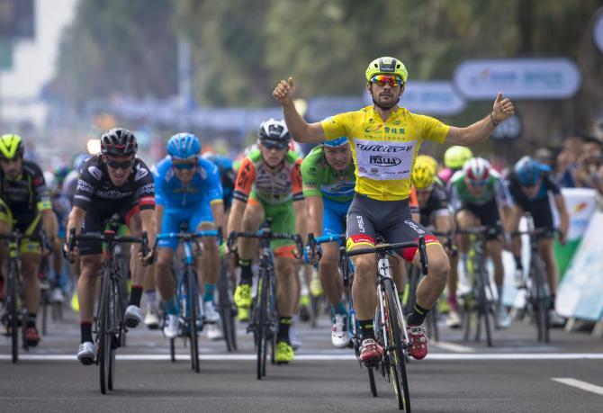 Il velocista italo-polacco ancora a segno al Tour of Hainan (www.tourofhainan.com)