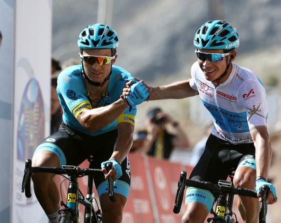 Vittoria di coppia per lAstana in cima alla Green Mountain (foto Tim de Waele/TDWSport.com)