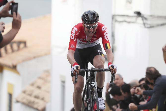 Tim Wellens arranca più veloce di tutti sulle rampe del muro di Alcalá de los Gazules (foto Bettini)
