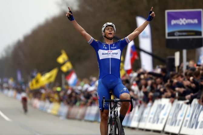 Niki Terpstra si impone nelledizione 2018 del Giro delle Fiandre: era dal 1986, quando trionfò Adrie van der Poel, che un corridore olandese non vinceva la classica fiamminga (foto Bettini)