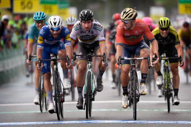 Sonny le suona a tutti i favoriti sul rettilineo darrivo della terza tappa del Giro di Svizzera (foto Bettini)