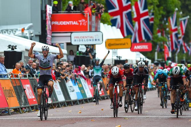 Ackermann si impone a Londra davanti ai nostri Viviani e Nizzolo (foto Bettini)
