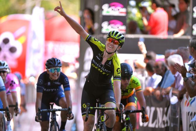 In attesa delle tappe più impegnativa la DHoore ottiene uno strepitoso bis sulle strade del Giro dItalia femminile (foto Tim de Waele/TDWSport.com)