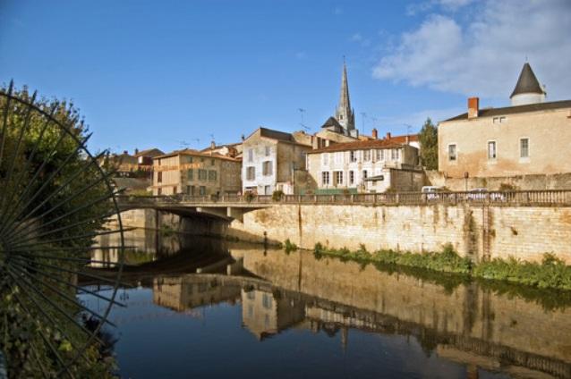 Scorcio di Fontenay-le-Comte (foto Panoramio)