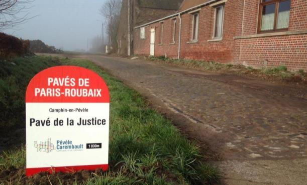 Limbocco del decisivo settore di pavè di Camphin-en-Pévèle (www.lavoixdunord.fr)