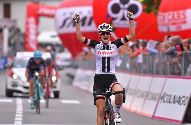Per Winder Ruth tappa e maglia a Omegna: al Giro Donne splende il Sunweb (foto Tim de Waele/TDWSport.com)