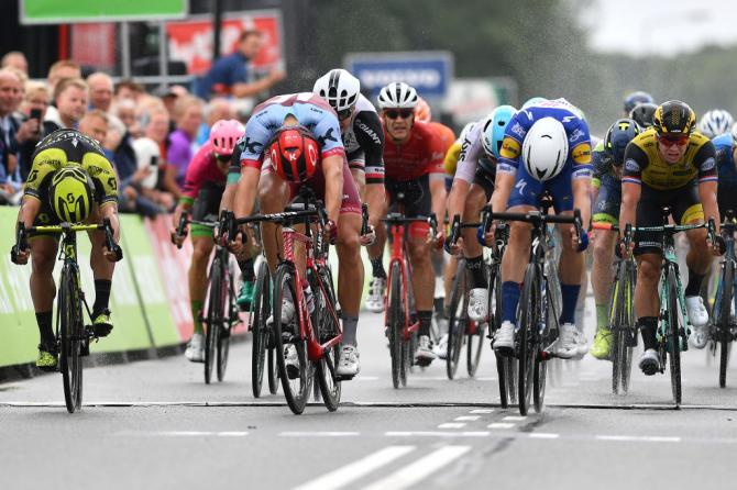 Partenza sotto la pioggia per il BinckBank Tour, che si apre con il successo allo sprint di Fabio Jakobsen in quel di Bolsward (foto Tim de Walle/Getty Images Sport)