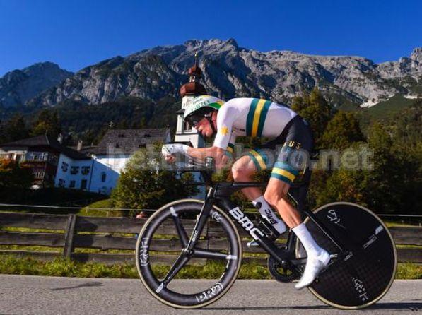 Rohan Dennis frantuma la concorrenza nella crono iridata di Innsbruck (foto Bettini)