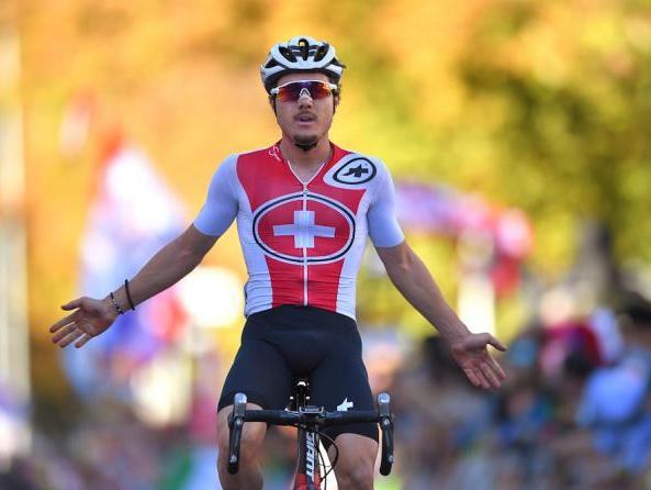 Giornata storica per il ciclismo elvetico ai campionati del mondo di Innsbruck: Marc Hirschi è il primo corridore rossocrociato a conquistare il titolo iridato tra gli under23 (Getty Images)
