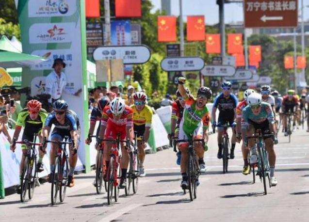 Ancora unaffermazione italiana al Tour of Hainan: dopo Mareczko e Belletti è il turno di Andrea Guardini (www.tourofhainan.com)