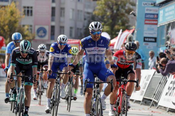 Maximilian Richeze ha via libera e vince la prima tappa del Giro di Turchia (foto Bettini)