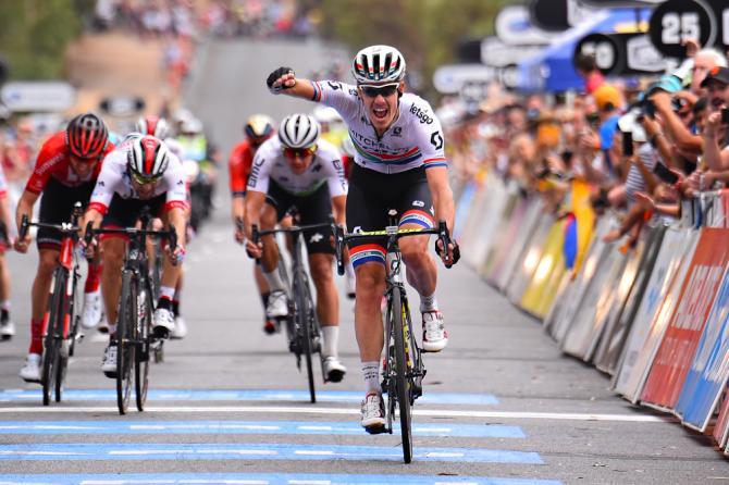 Continua il feeling di Daryl Impey con il Tour Down Under: lo scorso anno fece sua la classifica generale, nel 2019 è già sulla buona strada e in attesa della frazione decisiva ha sua la tappa con arrivo a Campbelltown (foto Bettini)