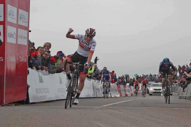 Il giovante talento di Tadej Pogačar si mette per la prima volta in mostra tra in professionisti alla Volta ao Algarve (foto Bettini)